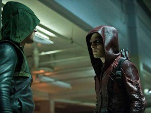 Arrow - Episode 3.01 - The Calm - Promotional Photo Red Arrow