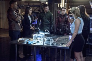 Arrow 3x08 team