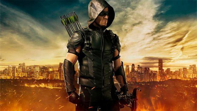 Saison 4 – Un nouveau costume pour le Arrow et un premier pour Diggle