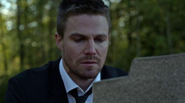 Sondage : Qui se trouve dans la tombe à la fin de l'épisode 4×01 ?