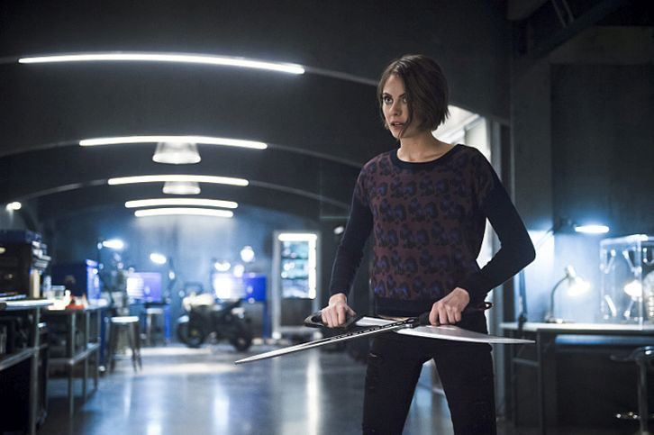 Les photos promo du 4×18 de Arrow – Eleven-Fifty-Nine