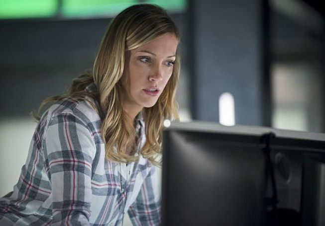 Arrow - Episode 4.18 - Eleven-Fifty-Nine -  laurel