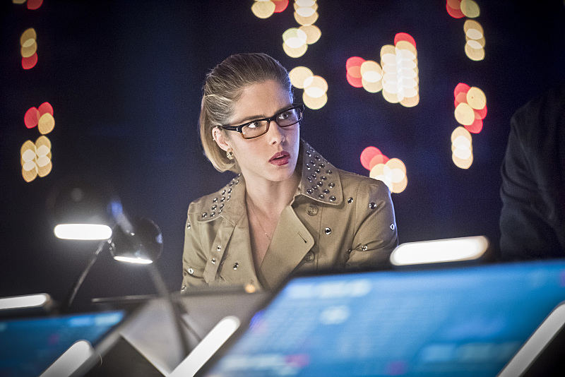 Les photos promo du 4×21 de Arrow – Monument Point