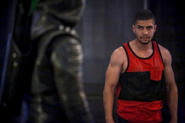La galerie de photos du 5×02 de Arrow : The Recruits