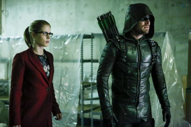 La galerie de photos du 5×10 de Arrow : Who Are You?