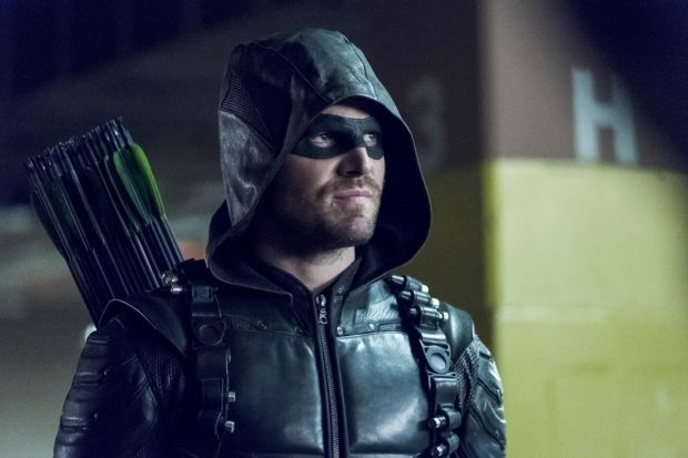"""Arrow -- """"Second Chances"""" -- Image AR511b_0228b.jpg -- Pictured: Stephen Amell as Green Arrow  -- Photo: Katie Yu/The CW -- © 2017 The CW Network, LLC. All Rights Reserved."""
