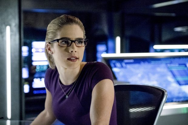 """Arrow -- """"Bratva"""" -- Image AR512a_0241b.jpg -- Pictured: Emily Bett Rickards as Felicity Smoak -- Photo: Cate Cameron/The CW -- © 2017 The CW Network, LLC. All Rights Reserved."""