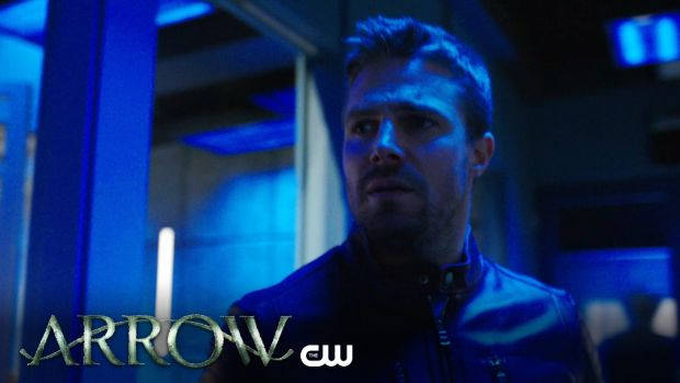 Arrow _ Missing Trailer _ The CW (BQ) 5x22 oliver